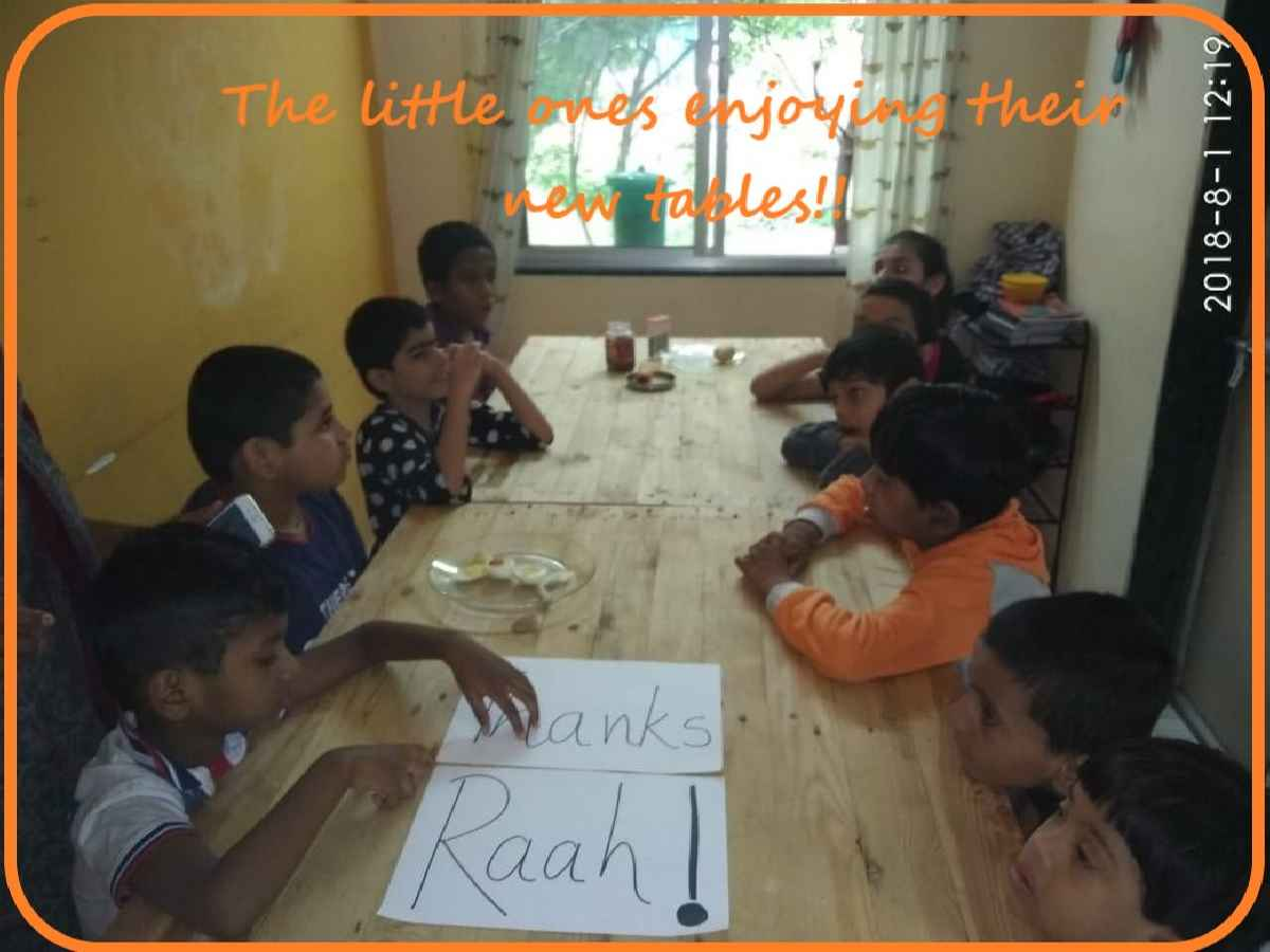 The Raahat Foundation donating Furniture to the needy 3 (1)